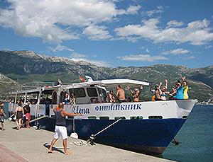 аренда прогулочной яхты в Черногории